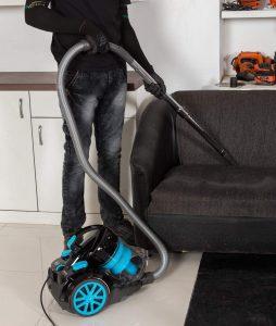 Black Decker – 2000W Bagless Cyclonic Vacuum Cleaner liputantimes.com