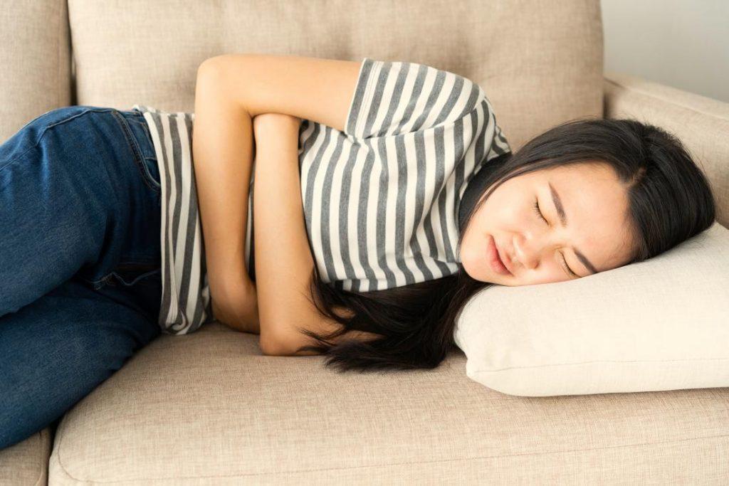 risiko konsumsi makanan pedas saat sahur dan berbuka